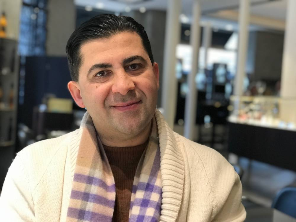 Dr Amir Mani Eye Surgeon London
